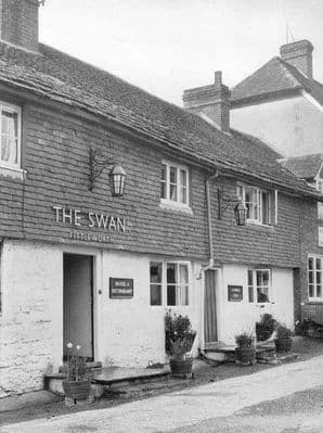Sussex 1966: FITTLEWORTH near Petworth. The Swan Hotel. Old Vintage Print.