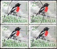 Australia 1966 SG 396 Australia 1948 SG 224c £1 Coat Of Arms Fine Used Bird Fine Used Block of 4