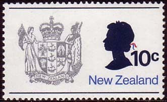 New Zealand 1970 SG 925 Queen and Coat of Arms Fine Mint